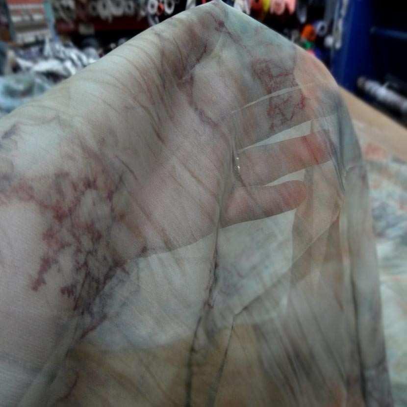 Coupon de mousseline polyester imprime 1 80m2