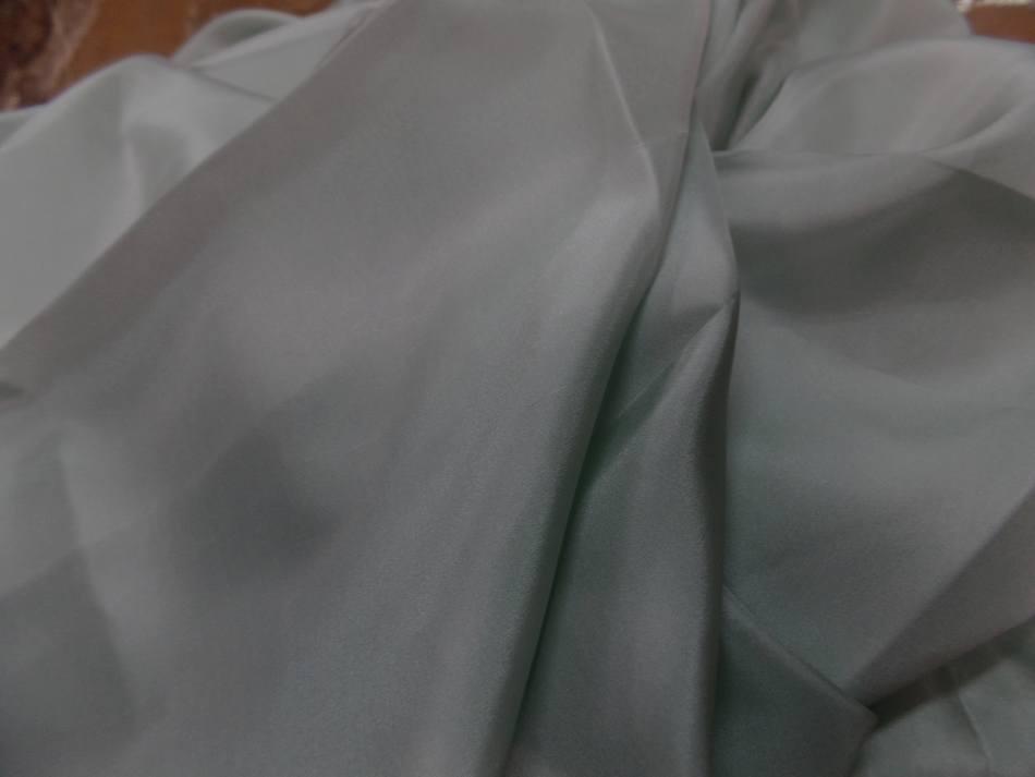 Coupon de ponge de soie vert d eau 1 50m