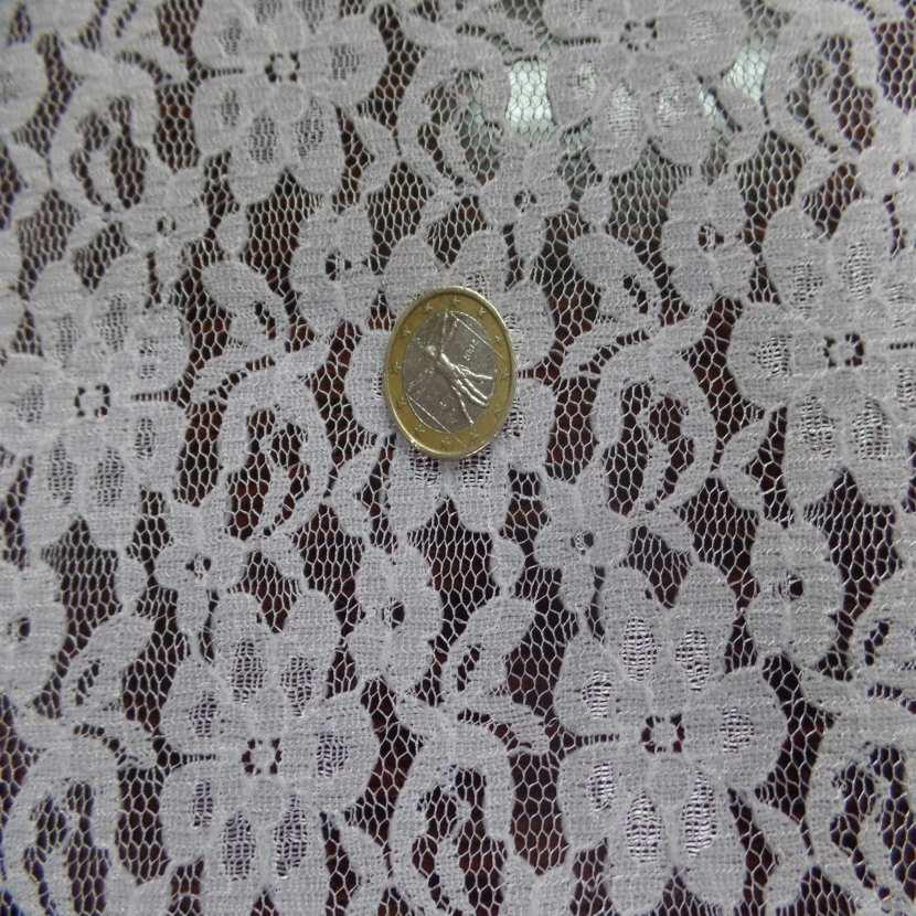 Coupon de resille dentelle extensible blanc casse 5 2m3