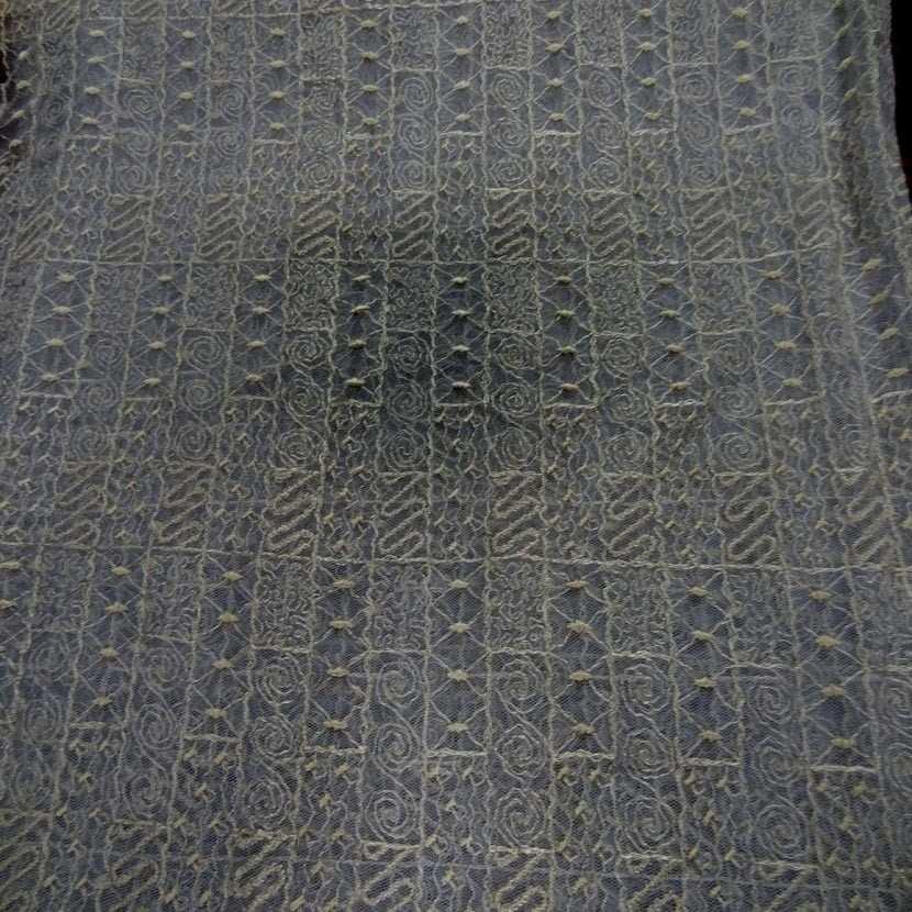Coupon de resille grise brode 1 80m9
