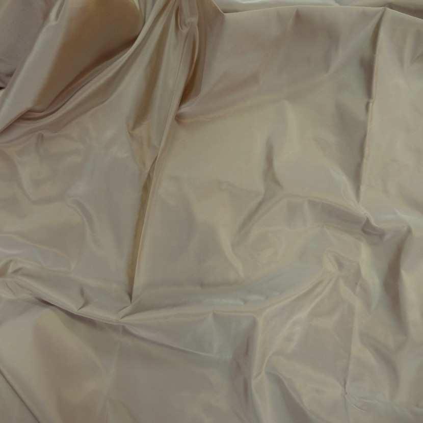 Coupon de taffetas tisse fils jaune dore et blanc 1 10m