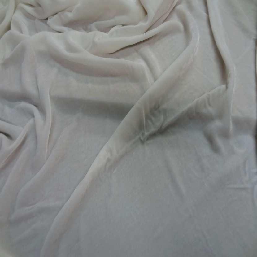 Coupon de tres beau velours blanc casse 1 25m