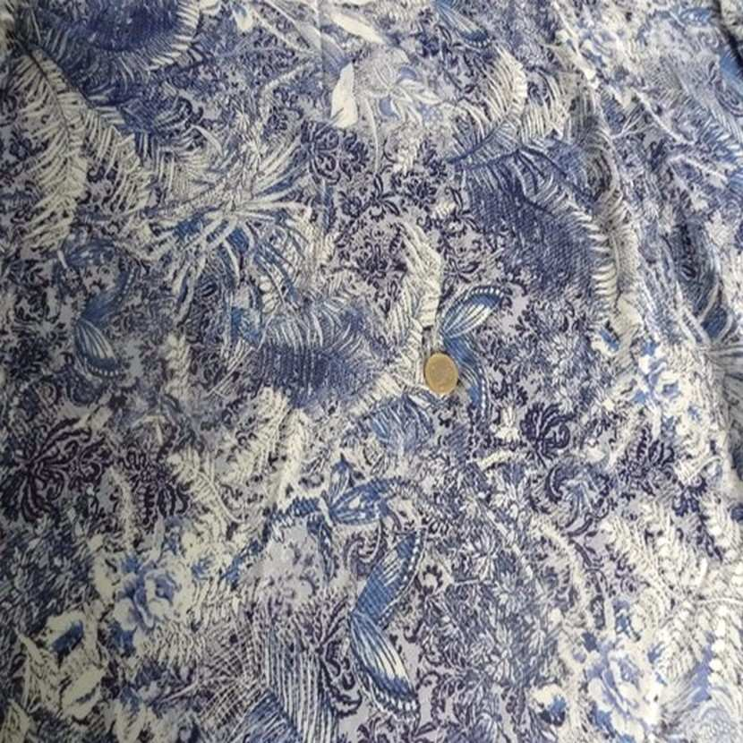 Coupon de viscose imprime blanc bleu 0 80m 1
