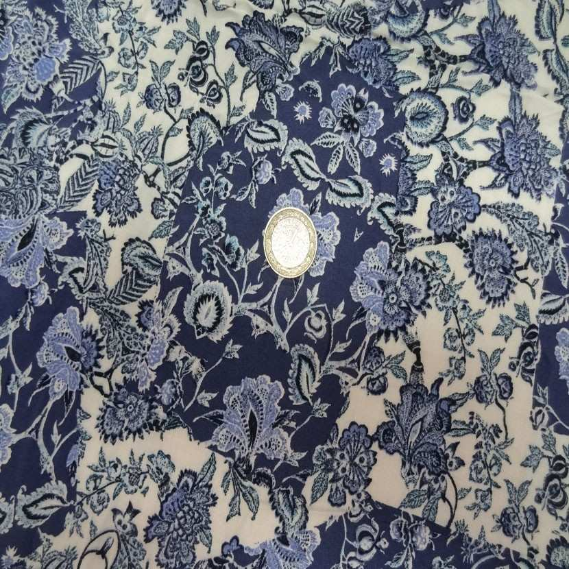 Coupon de viscose imprime blanc casse bleu 1 80m5