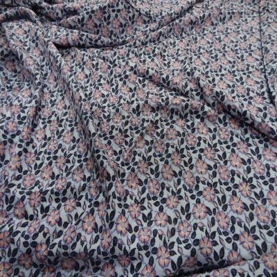 Coupon de viscose imprime petite fleurs 2 20m6