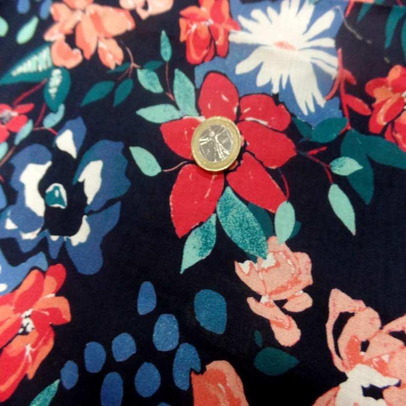 Coupon de voile coton bleu nuit imprime fleurs 1 70m0