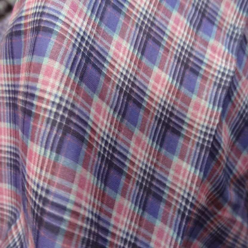 Coupon de voile coton imprime carreaux mauve rose 2 5m0