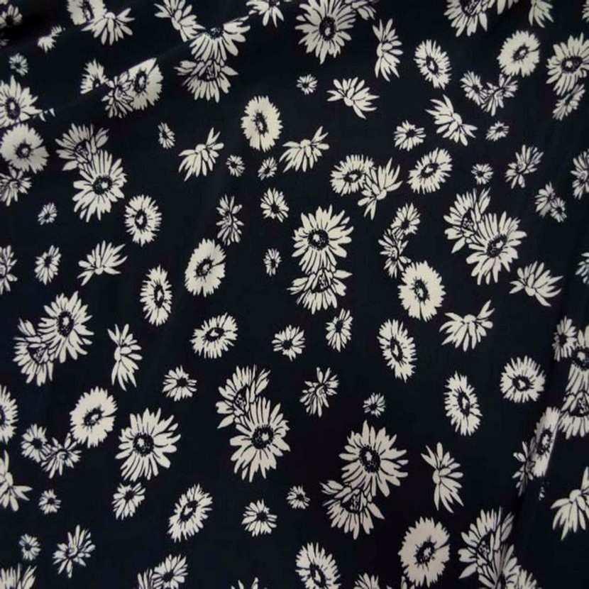 Crepe bleu nuit a fleurs blanche4