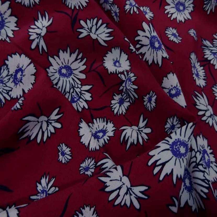 Crepe bordeaux a fleurs blanche7