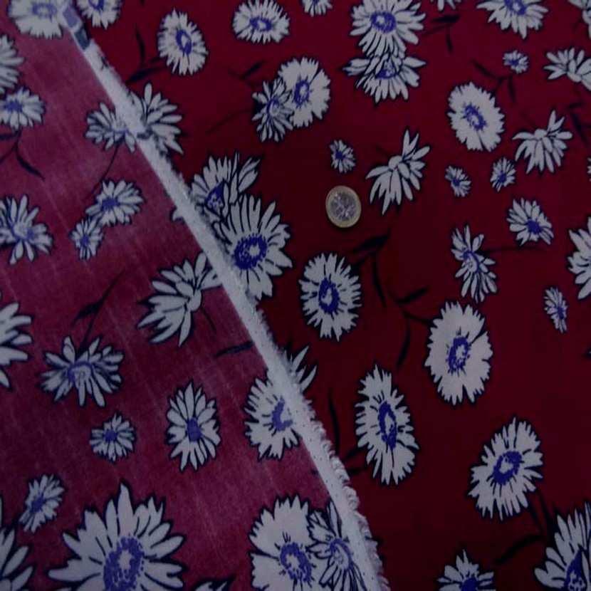 Crepe bordeaux a fleurs blanche8