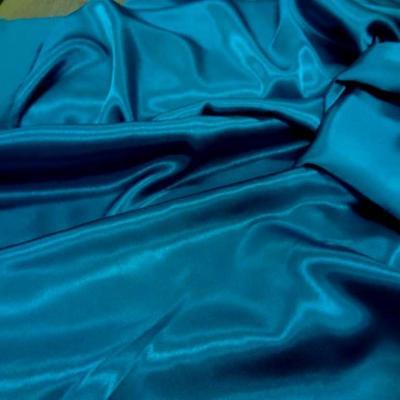 Crepe de satin bleu turquoise