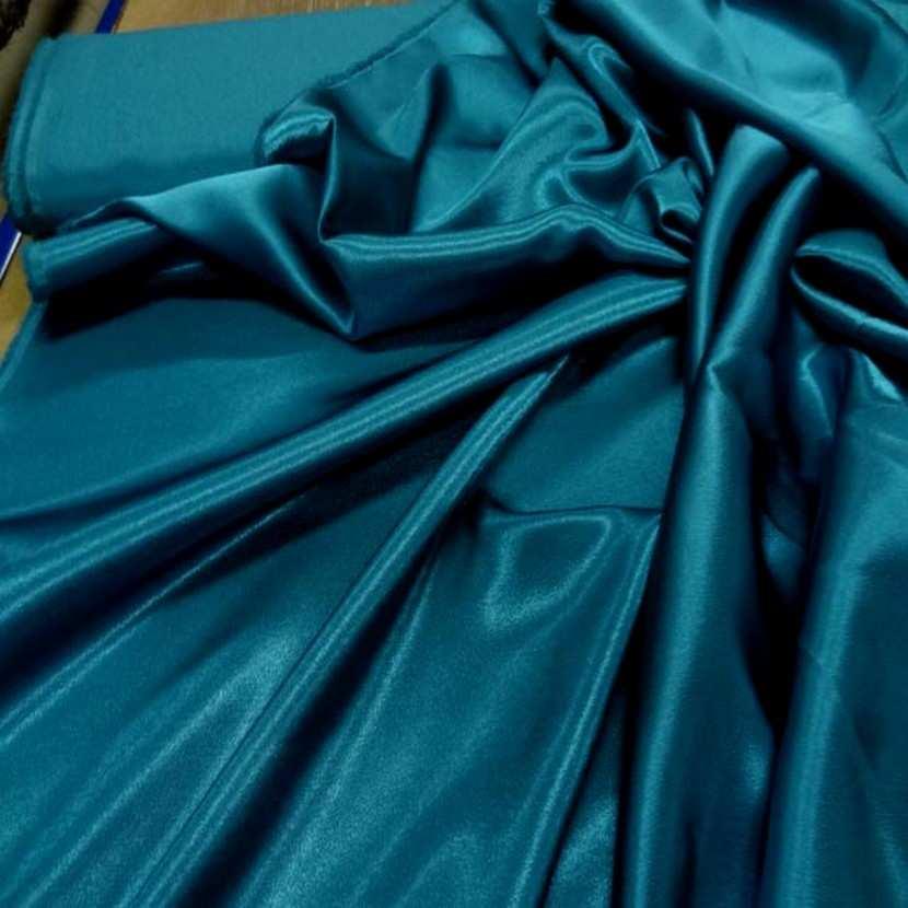 Crepe de satin bleu turquoise0