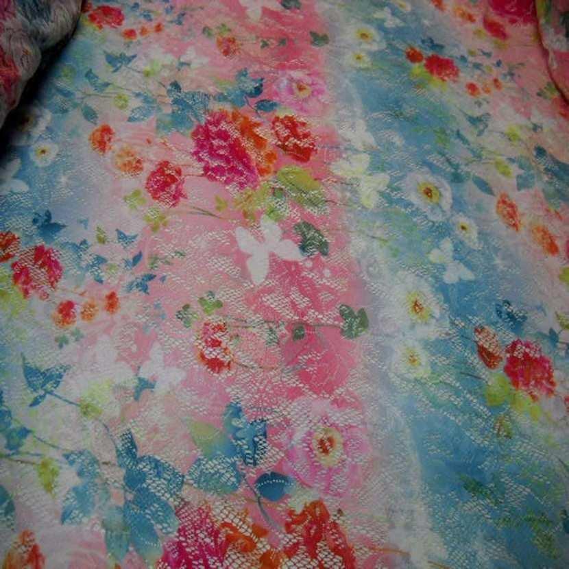 Dentelle lycra imprime fleurs papillons ton rose bleu rouge5 1