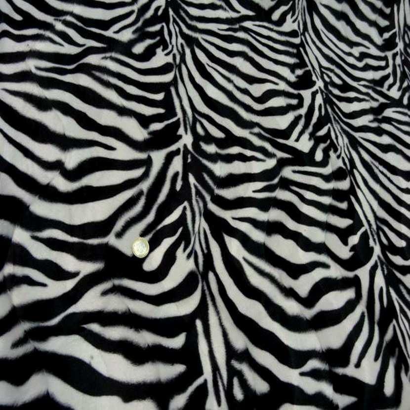 Fausse fourrure zebre6