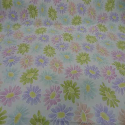 Gabardine lycra en coton blanche imprime fleurs