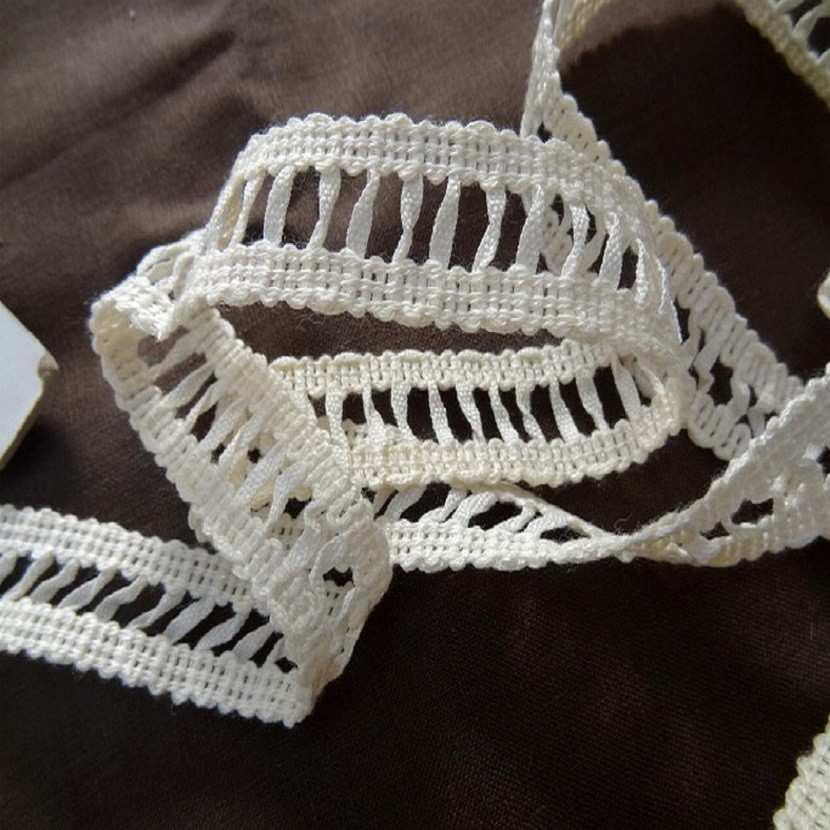 Galon blanc casse acrylique coton en 2 2cm de large6