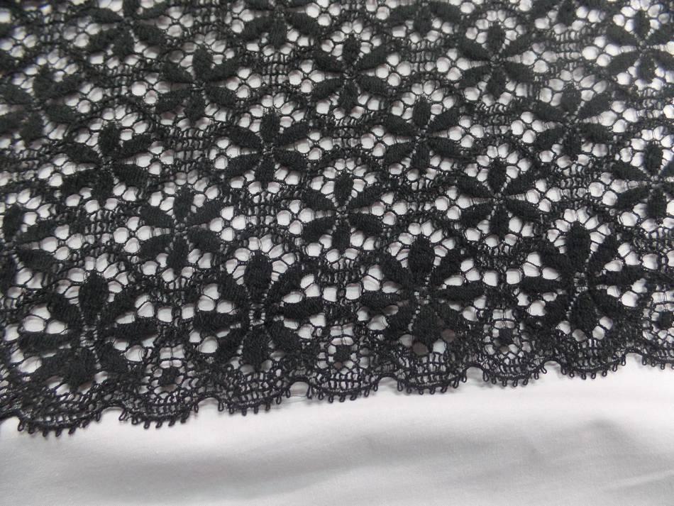 galon de dentelle aspect coton non extensible noire en 26cm a Marseille
