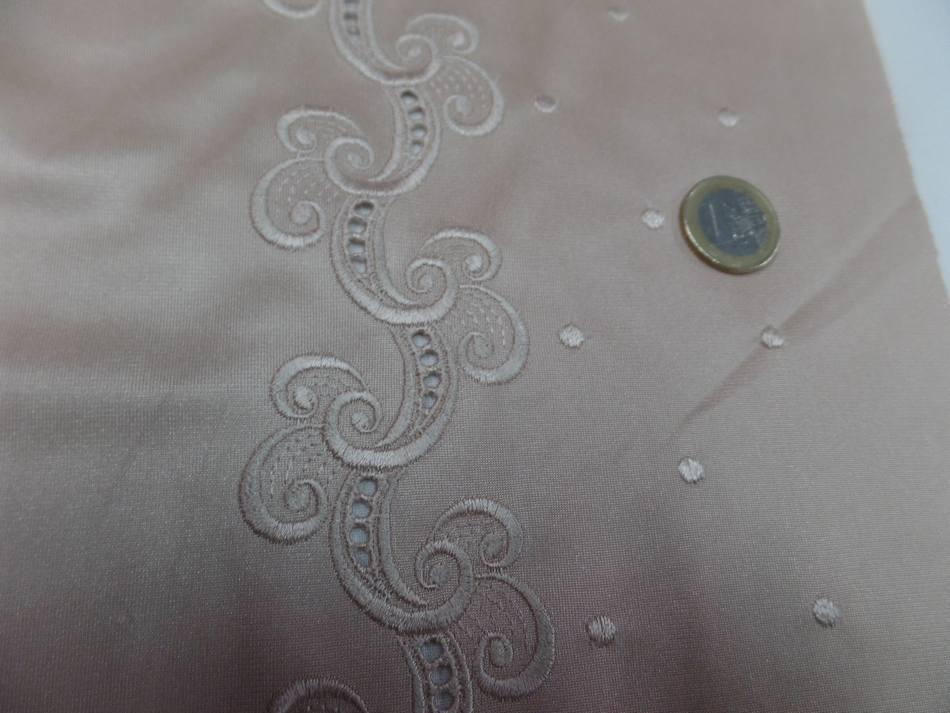 Galon de jersey polyester brode ton beige dore en 21cm2