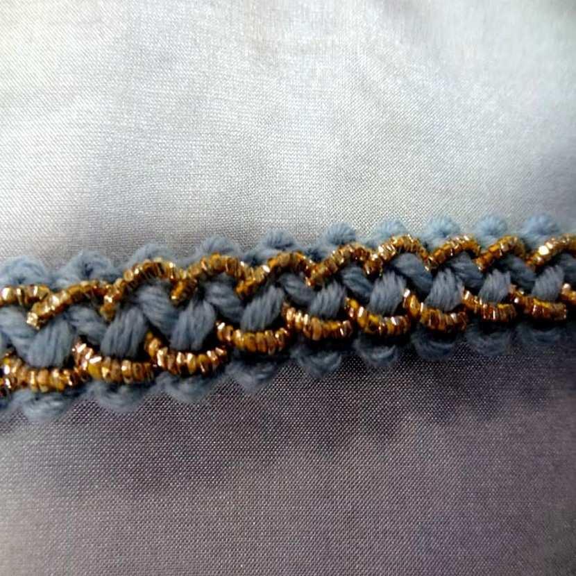 Galon de laine bleu avec fil lurex dore en 1 2 cm6