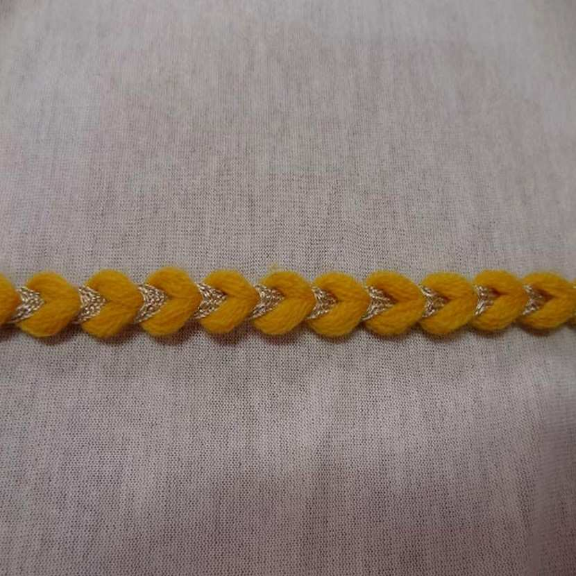 Galon de laine jaune safran lurex dore7