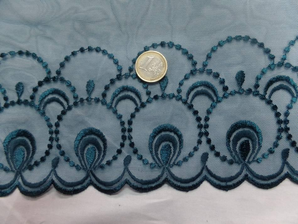 galon de résille brodé bleu canard en 26 cm