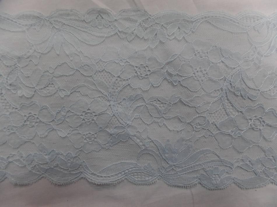 Galon de resille dentelle bleu ciel en 18 cm