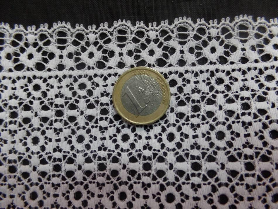 vente de galon de résille façonné blanche en 16 cm