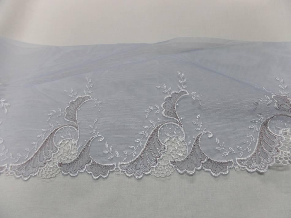 galon de résille grise brodé ton blanc et taupe en 17cm