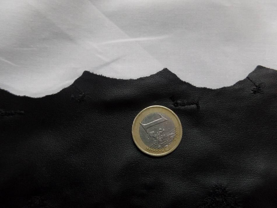 galon de simili cuir noir brodé pas cher  en 18cm