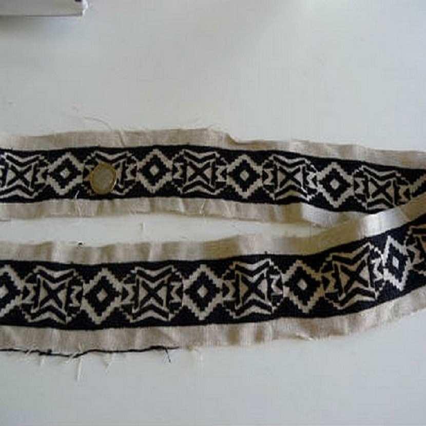 Galon en lin ton naturel et noir motifs ethnique6