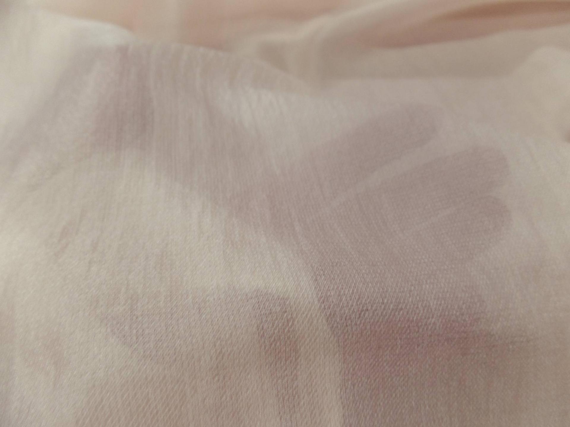 Gaze de soie beige rose clair0
