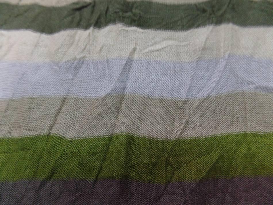 Jersey coton melange fin froisse permanent a rayures ecrue taupe kaki et gris02