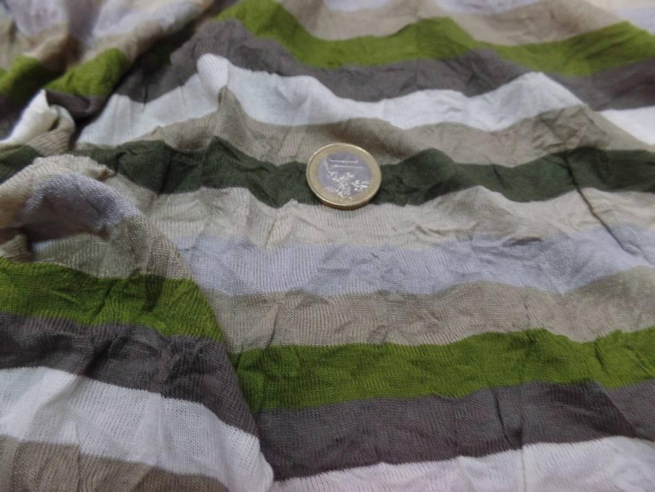 Jersey coton melange fin froisse permanent a rayures ecrue taupe kaki et gris1