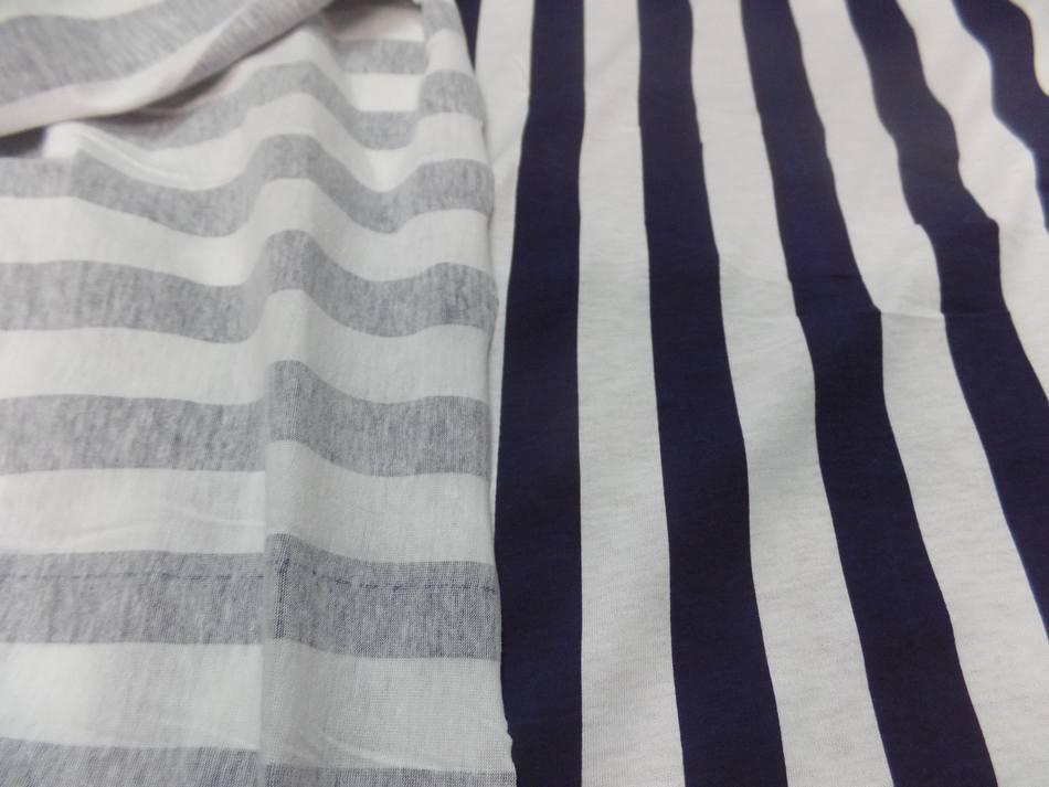 Jersey coton raye bleu marine et blanc0