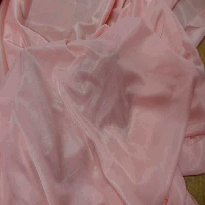 Jersey polyester rose clair legerement transparent4