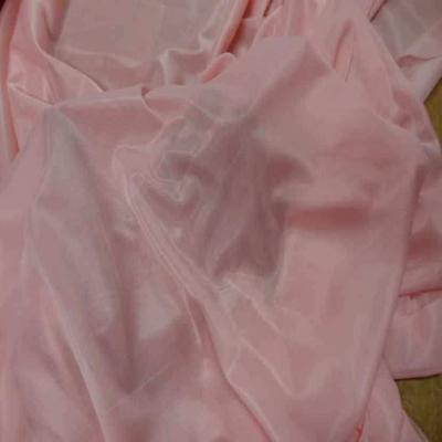 Jersey polyester rose clair legerement transparent4