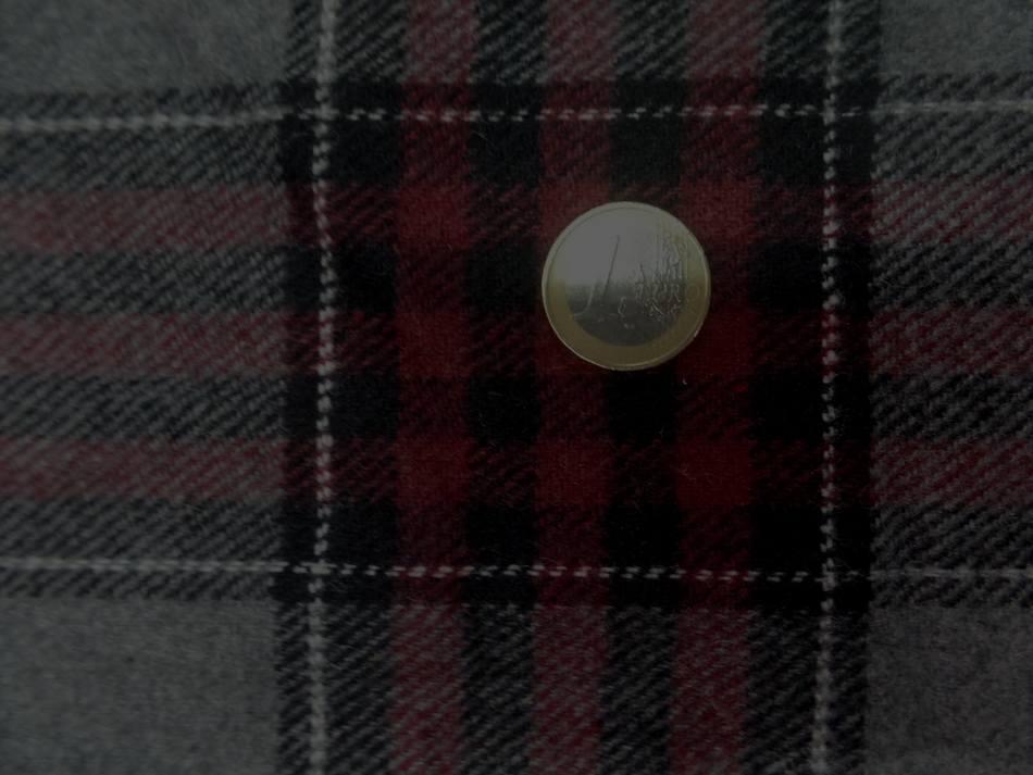 Lainage gris a carreaux style écossais rouge bordeaux