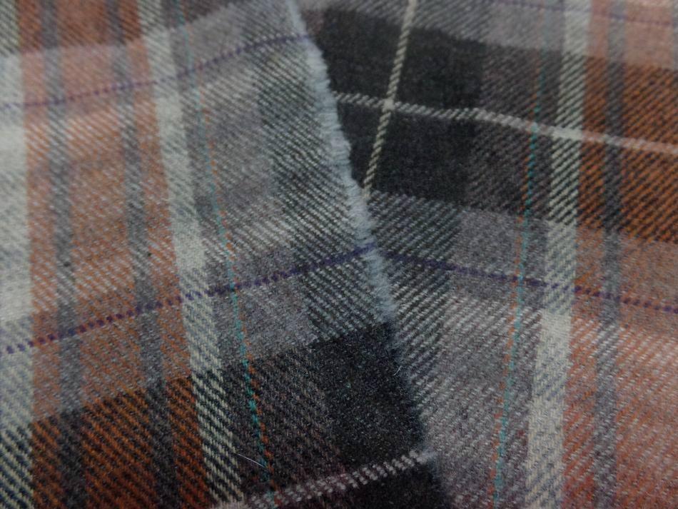 Lainage laiger a carreaux marron gris1 1