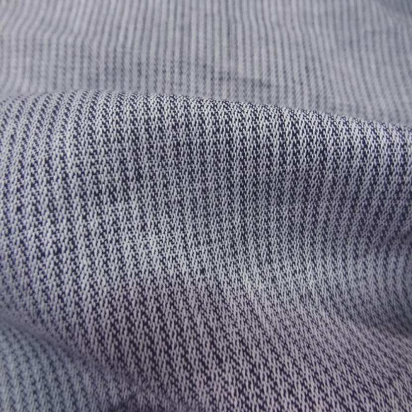 Lin chambray gris noir chine a rayures tres fine aspect chevron3