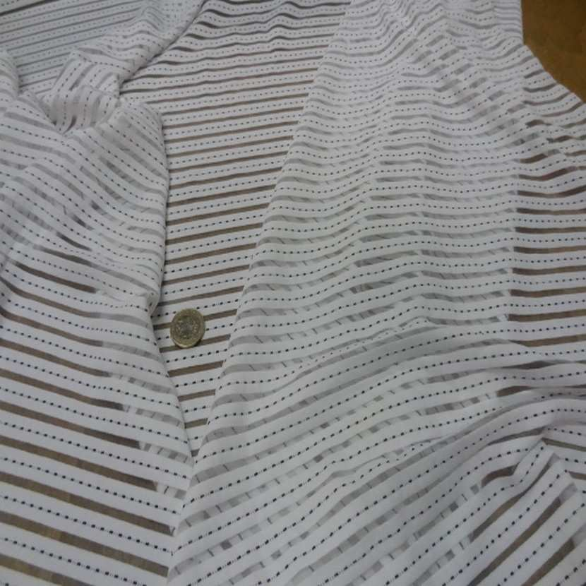 Lycra a bandes faconne blanc et transparent7