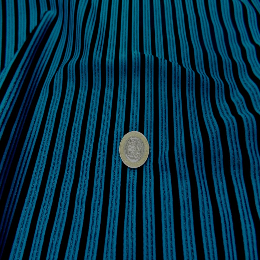 Lycra a rayures bleu et noir1