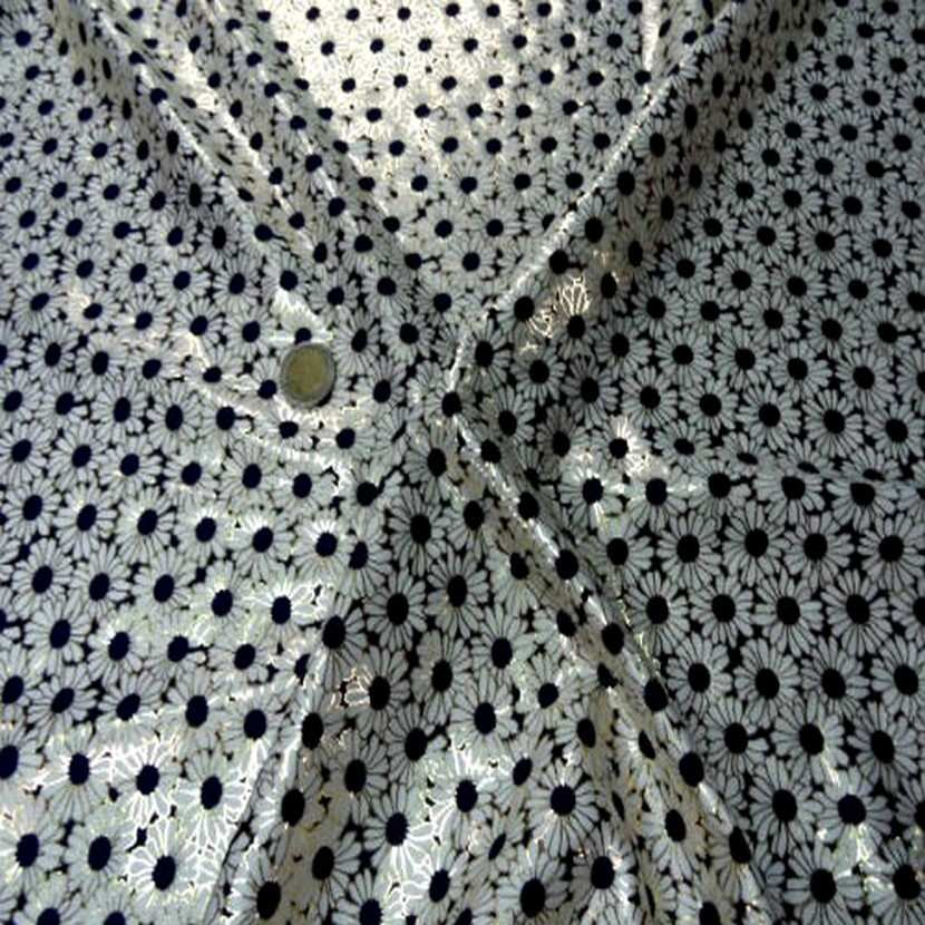 Lycra blanc bleu marine et lurex dore2