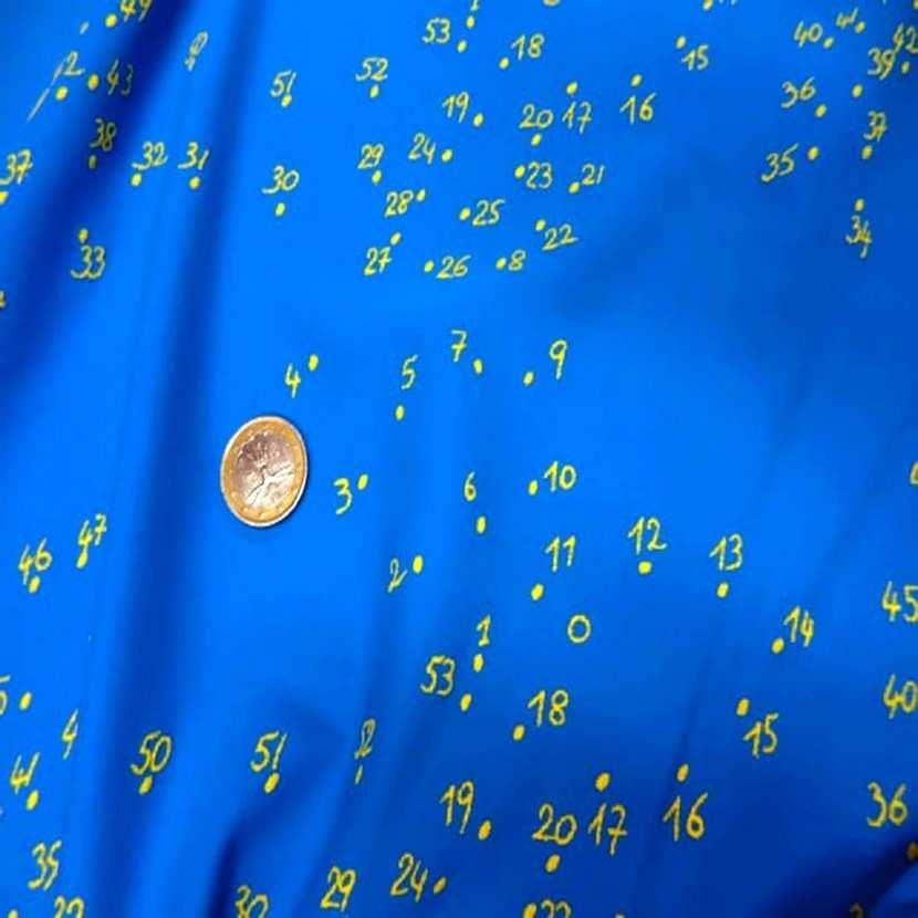 Lycra bleu imprime numero jaune