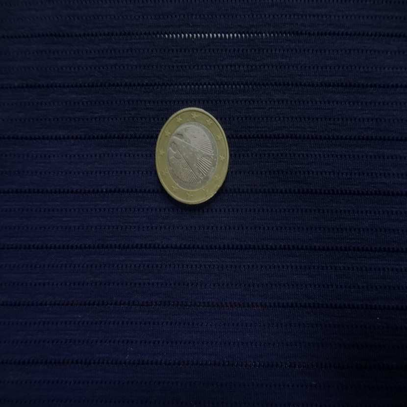 Lycra bleu marine a bandes perforee9