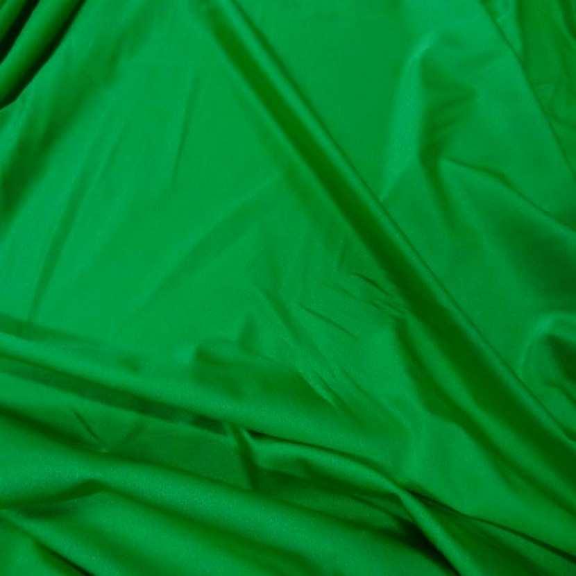 Lycra extensible dans le 2 sens satine vert1