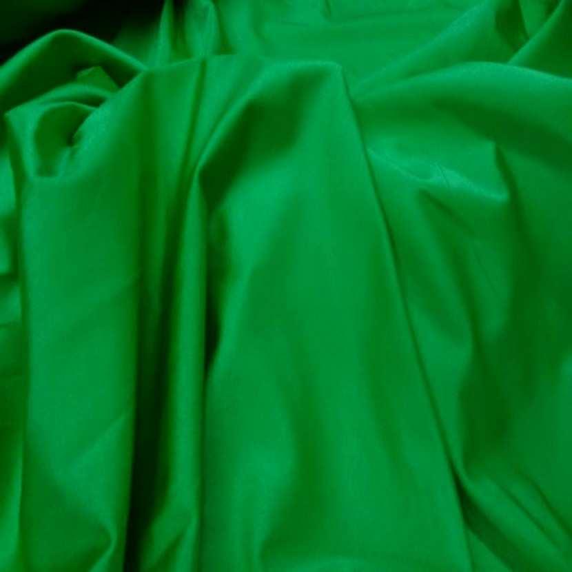 Lycra extensible dans le 2 sens satine vert8