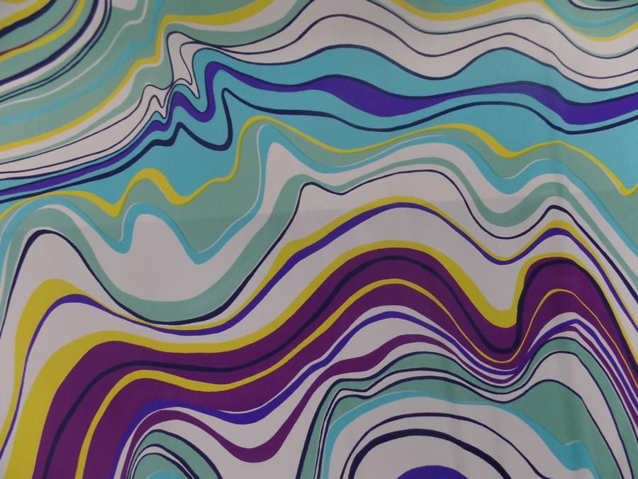 Lycra imprime annee 70 ton blanc bleu jaune et viole2