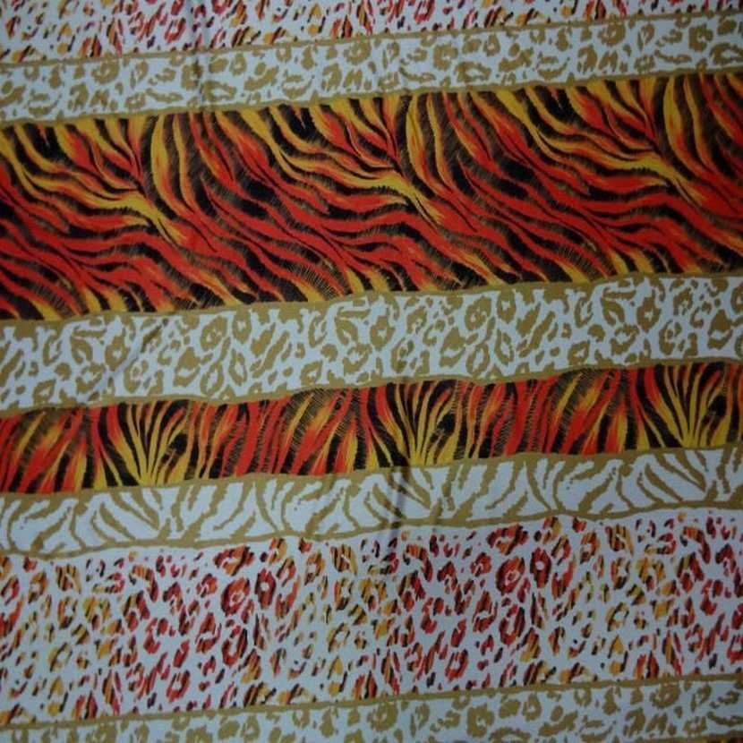 Lycra imprime fourrure blanc orange3