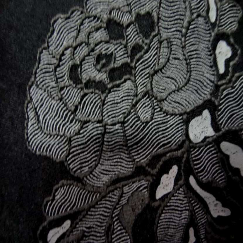 Lycra noir a motifs fleurs5