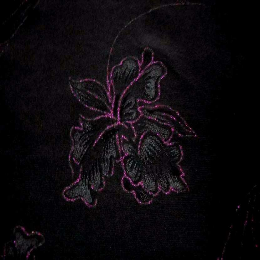 Lycra noir faconne fleurs lurex rose0